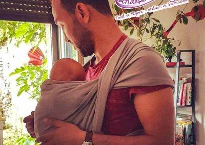atelier portage bébé-papa-écharpe-&-comptine
